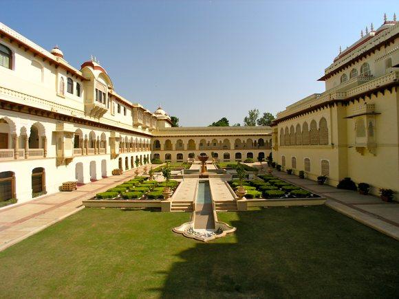 Rambagh Palace, Innenhof