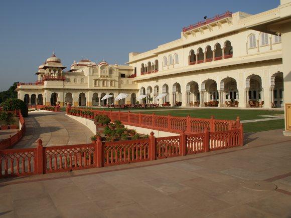 Rambahg Palace, Terrasse