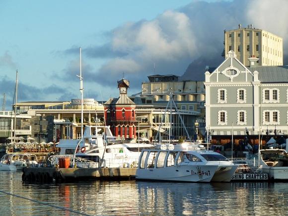 Turmuhr am Hafen