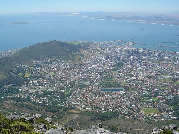 Blick auf die Stadt und Robben Island