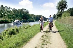 """Radtour an der """"Alten Salzstraße"""" von Lüneburg bis Travemünde© Herzogtum Lauenburg"""
