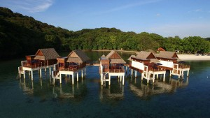 Das Palau Pacific Resort hat nun fünf Wasserbungalows im Angebot © Palau Pacific Resort