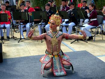 Auch Tänzer gehören zum Ensemble